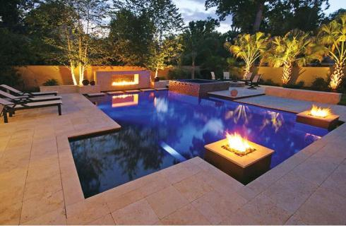 8 Outdoor Fireplace and Fire Pit Design Ideas - Luxury Pools + ...