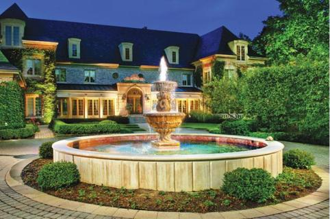 Gorgeous Courtyard Gardens and Patios - Luxury Pools + Outdoor Living
