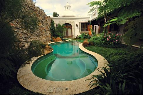 Pools with Spas: Top 5 Design Options for Pool Spa Combos - Luxury ...