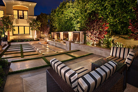 Gorgeous Courtyard Gardens And Patios Luxury Pools