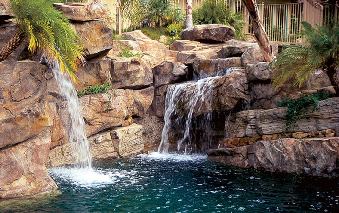 Water In Motion Top Water Features For Pools Luxury Pools